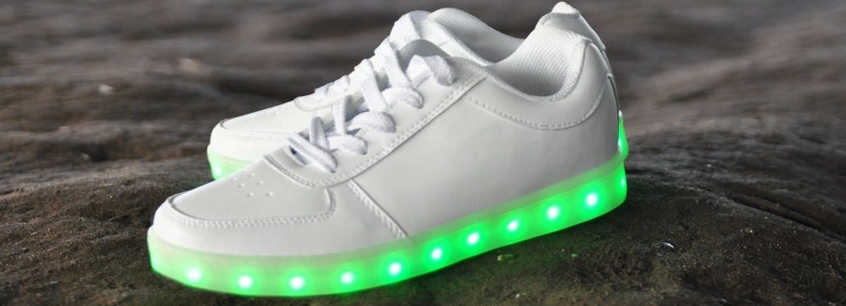 S'allume Les Comparer Chaussures Belles Qui Plus Led Chaussure P8nX0kNwZO